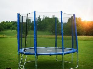 GoodJump GoodJump 4UPVC modrá trampolína 305 cm s ochrannou sítí + žebřík